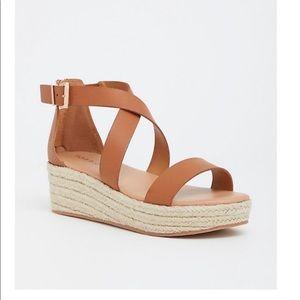 Torrid criss cross open toe platform sandal 10 W